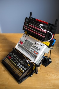 LEGO-Volca-Stand-4